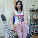 【足フェチ】日高ゆあちゃんの恥ずかしい脚・足裏・足の動きをじっくり観察
