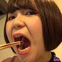 【生き物】新川ゆずちゃんがドジョウを生きたまま揚げて食べる!【食事】